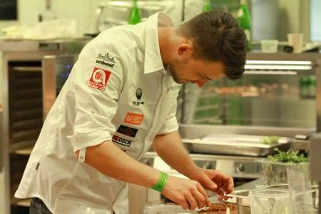 Resümee Intergastra Eine ruhige Hand war gefragt beim Ausscheidungswettbewerb zum Koch des Jahres während der Intergastra digital 2021.