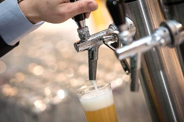 schön gezapftes Bier