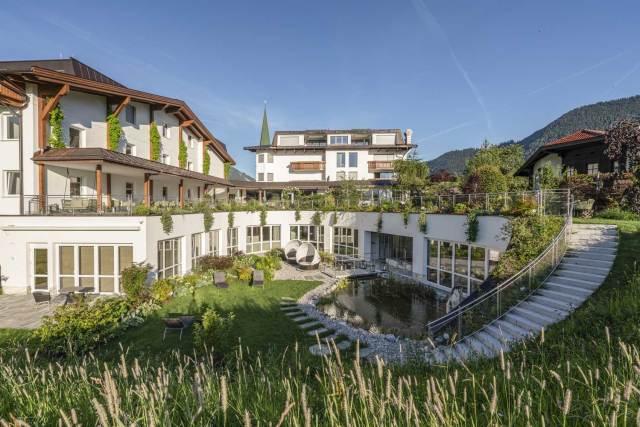 Schau wer Du bist Kürzlich wurde das Juffing Hotel & Spa für sein ökologisches Engagement mit der Gold-Trophy des European Green Award 2021 ausgezeichnet.