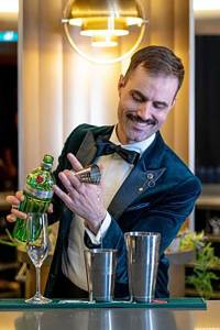 """Der Kanadier James Grant ist der derzeit """"beste Barkeeper der Welt""""."""
