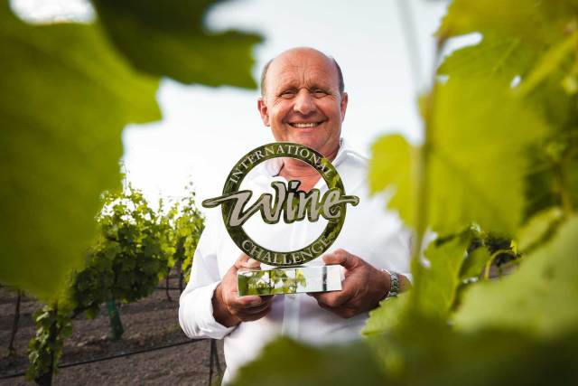 "Hans Tschida ist ""Sweet Winemaker of the Year"" Edelsüße Weine"