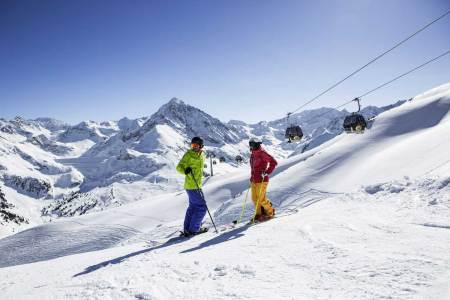 Neue Regeln Wintersaison Nach dem Willen der Bundesregierung soll es im kommenden Winter Skivergnügen wieder (fast) ohne Einschränkungen geben.