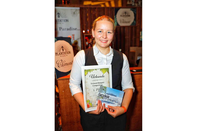 Anja Pichler gewinnt Barkeeper-Wettbewerb beim Vienna Rumfestival