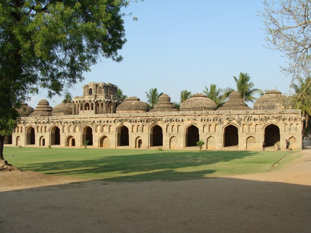 Guide to the main sights in Hampi. #temples #hampi #india #UNESCO