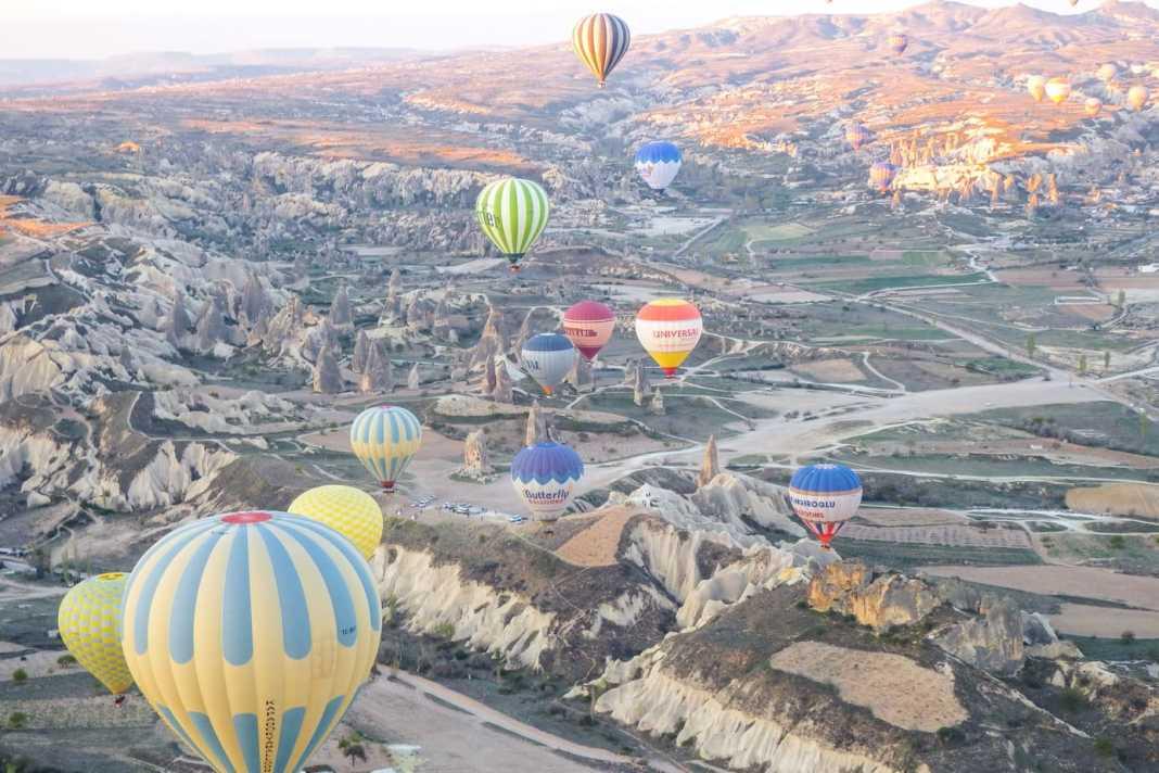 Planning a hot air balloon ride in Cappadocia - #Cappadocia #turkey #balloon #balloonride #travel #travelblog #adventure #ballooning #turkeytravel #goreme #travelguide