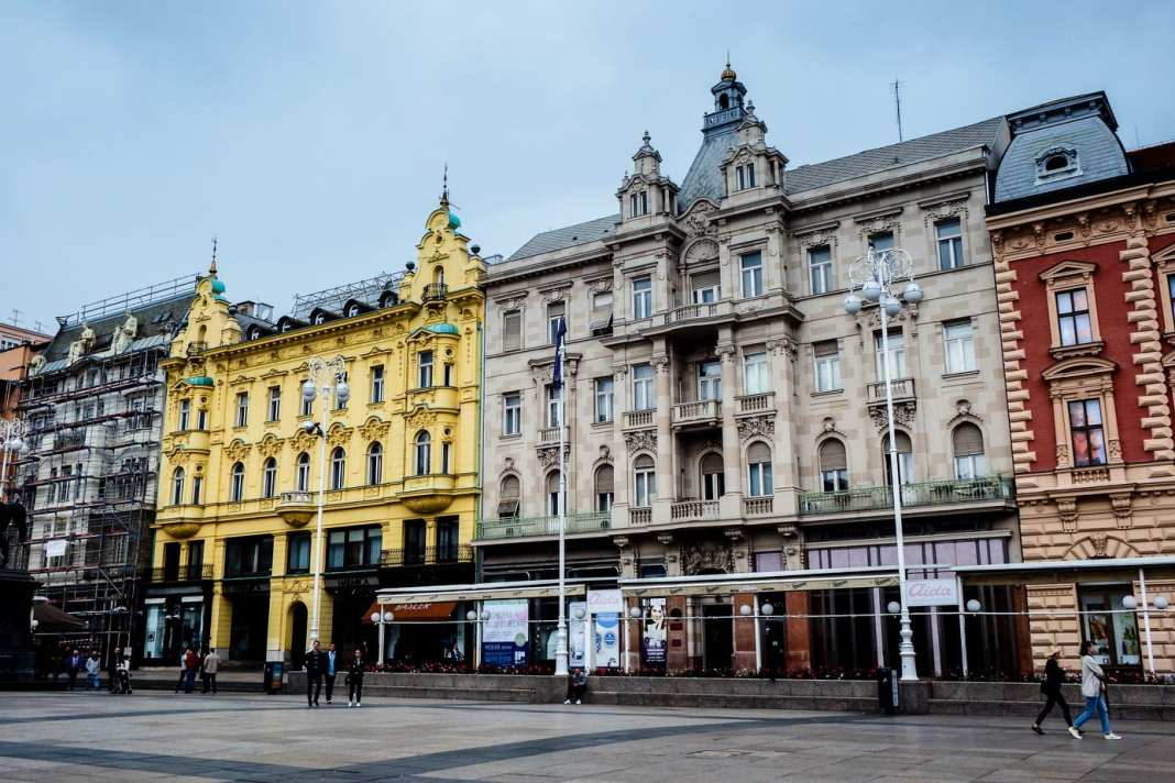 How to spend one day in Zagreb - #croatia #zagreb #travel #history #balkans #oldtown #foodie #travelblogger #architecture #traveltips #destinationguide #ThingstodoinCroatia #europe #CroatiaTravel