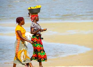 The best sights in Maputo - #mozambique #africa #explore #foodie, #travelblogger, #travel #blogpost #sights #market #beach #seafood #coffee #maputo