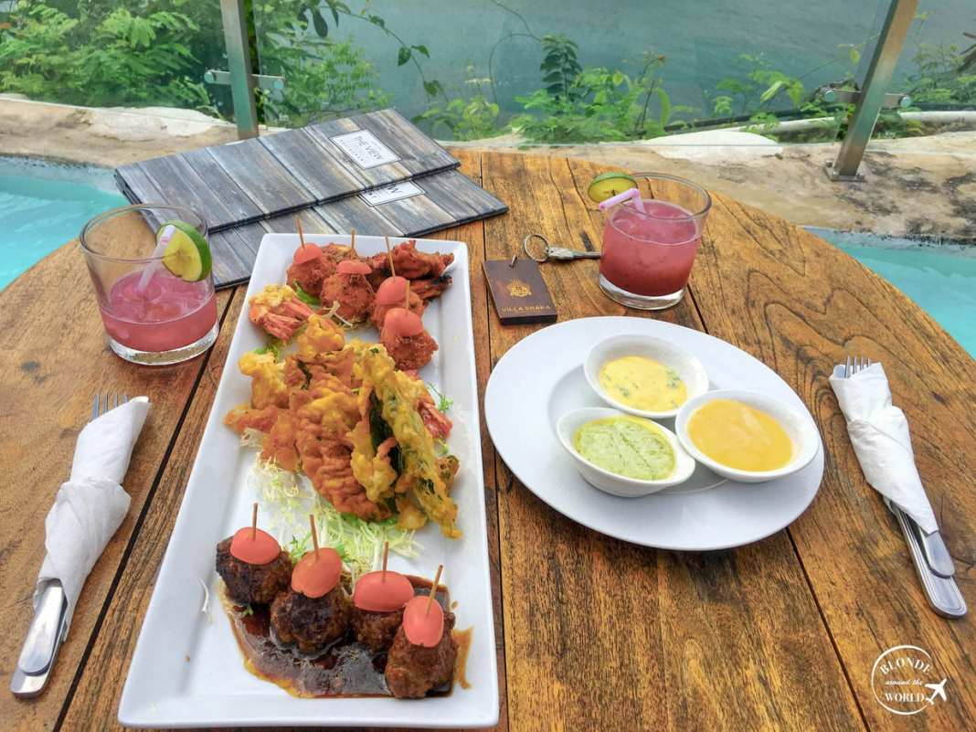 Foodie guide to Bali - #bali #indonesia #foodie #foodies #travelblog #cocktails #beach #seafood #nasigoreng #travel #island #asia #southeastasia #