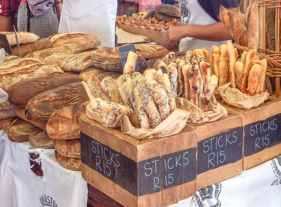 Guide to the best foodie markets in Cape Town - #capetown #southafrica #foodie #waterfront #travel #tips #travelguide #capepoint #farmersmarket #market #gourmet