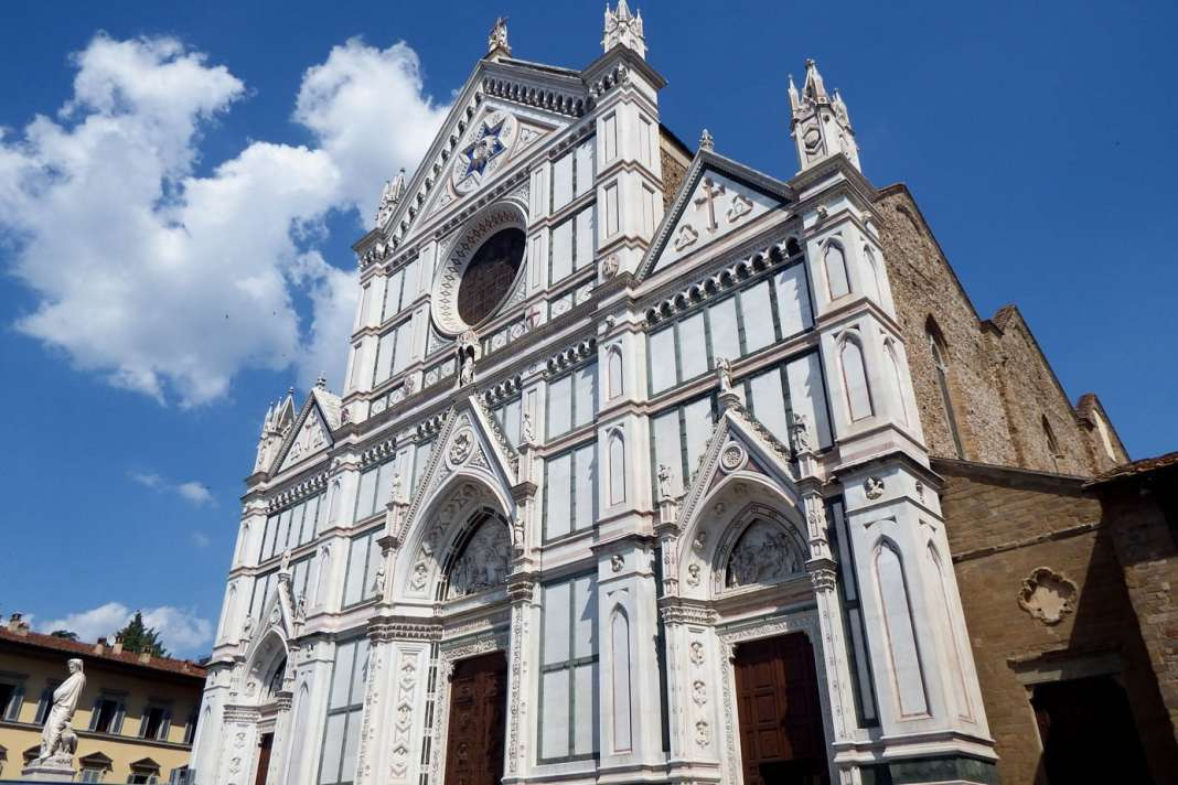 How to see Florence in a weekend - #florence #firenze #italy #italie #citybreak #travel #travelguide #market #uffizi #pontevecchio #santacroce #duomo #streetart #sanlorenzo #whattodo #whattosee #mercato #foodie #sightseeing