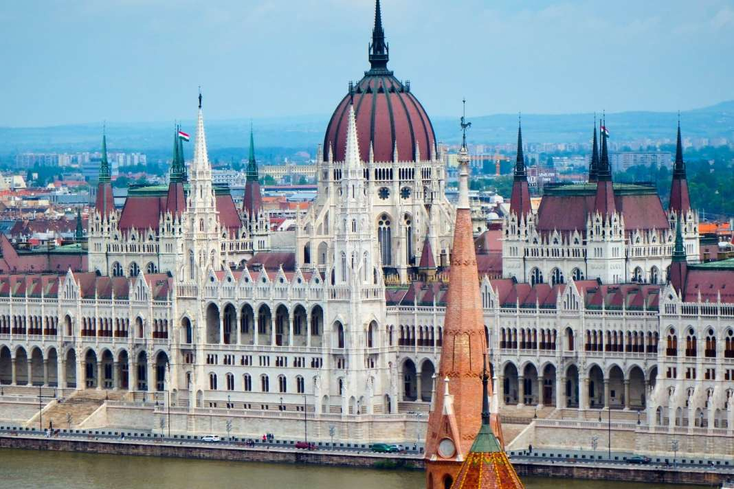 Things to do in Budapest – what to see- what to eat -#cityguide #budapest #travelphotos #hungary #europe #travel #travelblogger #oldcity #foodies #UNESCO #traveltips #destinationguide