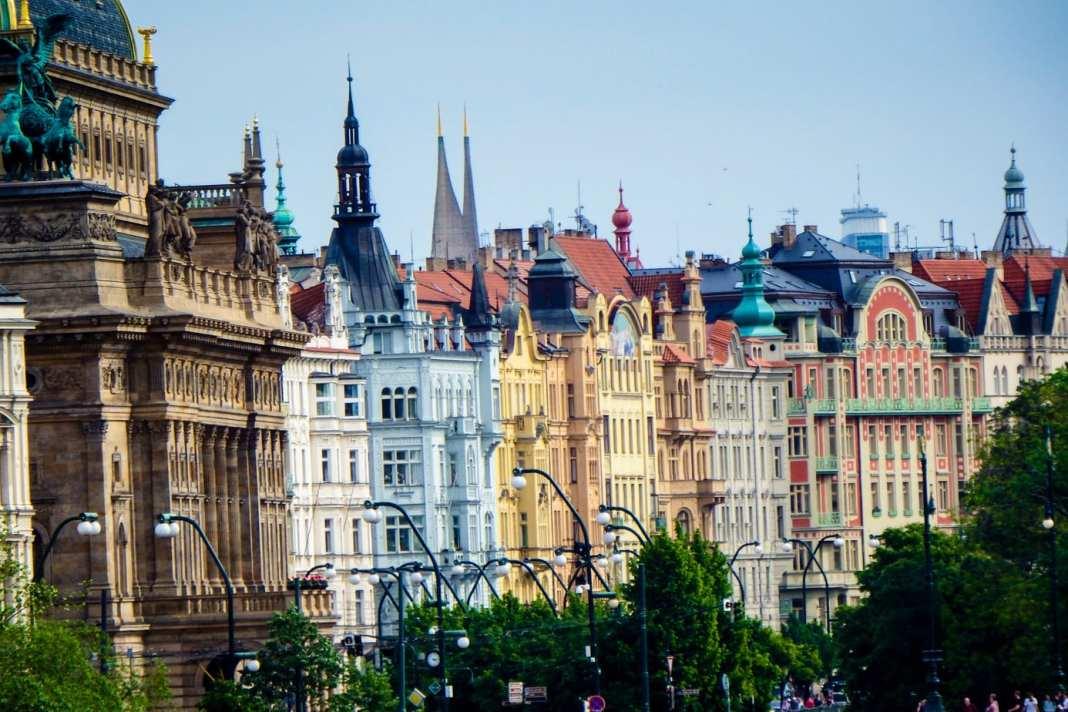 Discover the secret places in Prague - #prague #pragueczechrepublic #charlesbridge #praha #praguecastle #oldtownprague #czechrepublic #malastrana #dancinghouseprague #catacomab #travel #europe