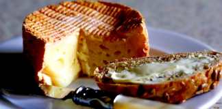 The food in Normandy - #france #normandy #foodies #foodlovers #travel #travelblog #cheese #cider #seafood #chicken #poulet #fromage #calvados #gourmet