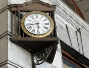 retiro-railway-station-clocks