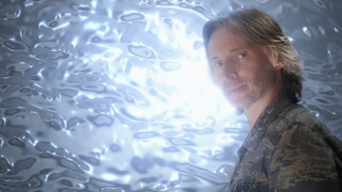 Dr Rush (Robert Carlyle) about to go through the Stargate