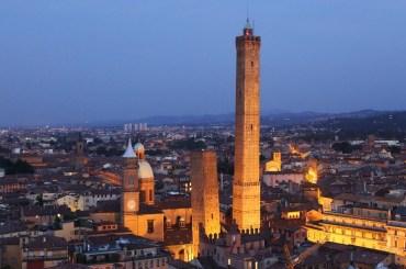 Bologna prenota un parcheggio vicino all'aeroporto di bologna con Looking.com
