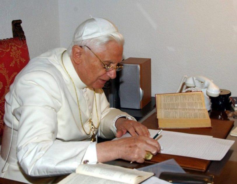 quanto guadagna papa francesco