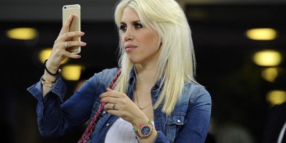 mauro icardi wanda nara cellulare telefonino