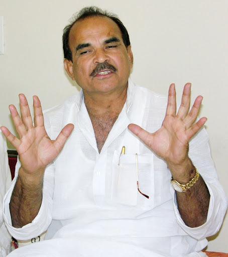 बाहुबलि व धनबलि नेता डीपी को लेकर बवाल, भाजपा मौन