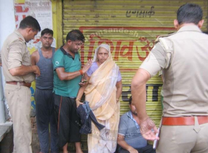 पालिका द्वारा दुकान से कब्जा हटाने पर परिवार ने किया आत्मदाह का प्रयास