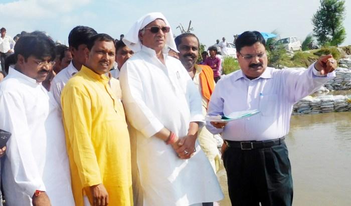 सिंचाई मंत्री के दौरे पर उठा भ्रष्टाचार का मुद्दा, बाढ़ को लेकर सीएस का निर्देश