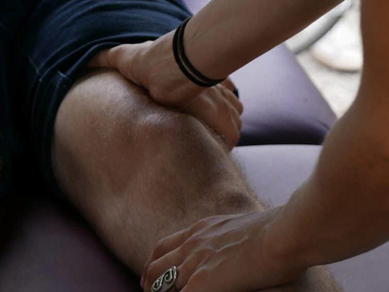ספורט מקל על כאבים בברכיים