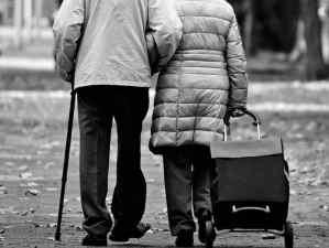 הליכה לטיפול בדלקת פרקים ניוונית