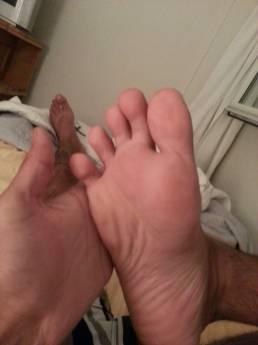 pieds-nus-oiqt0ea8mR1w13qaxo10_1280