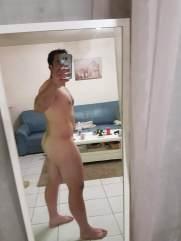 selfie arab nude 23
