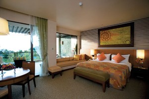 Malaysian culture resonates in each guest room with soft earth tones and intricately carved panels to make guests feel at peace with the resort's serene surroundings and relaxing ambience.