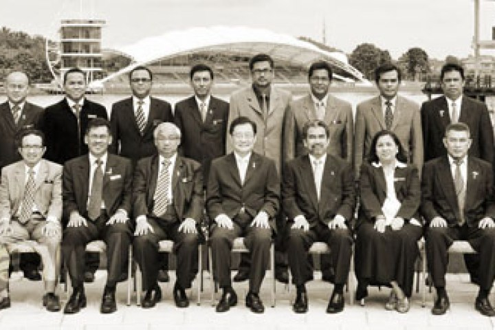 Photograph taken Musa Yusof with all the State Directors