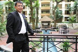 Simon Yong picture 1