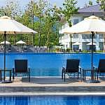 Guests have the option of savouring the pool or the sea
