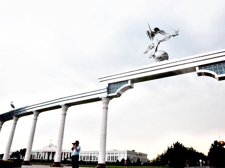 Statue of Storks gracing the arches at The Independence Square