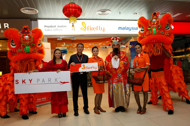 FY CEO with the lion dance troop - A