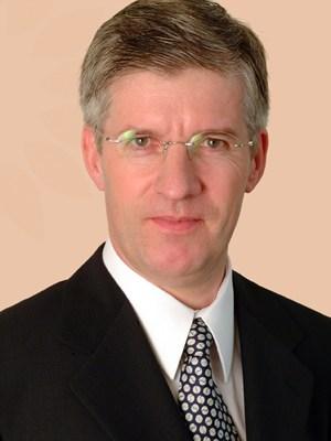 Hugo Gerritsen brings extensive industry experience of over 30 years