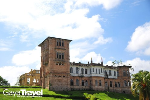 This handsome fairy-tale castle stood by a river in Batu Gajah, 20 minutes' drive from Ipoh