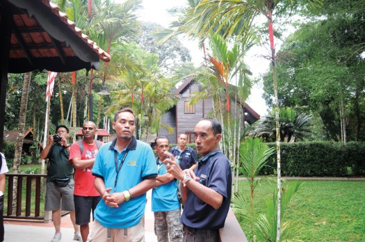 A briefing before canopy walk.