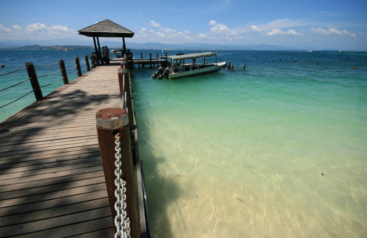 Backpacking in Sabah - Mamutik, Sapi and Manukan Islands are all located in a close proximity.
