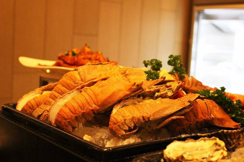 "Fresh seafood will also be served at the ""Seribu Satu Malam"" buffet"