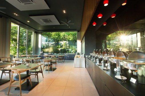 Cuisines Poolside Bar & Restaurant