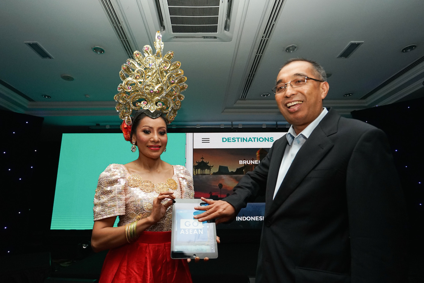 GOASEAN Mobile App and LetsGoNow Booking System Launched by YB Datuk Seri Panglima Salleh Said Keruak, Minister of Communication and Multimedia