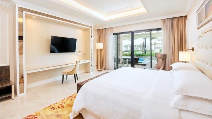 Sheraton Grand Danang Resort - Pool Deluxe
