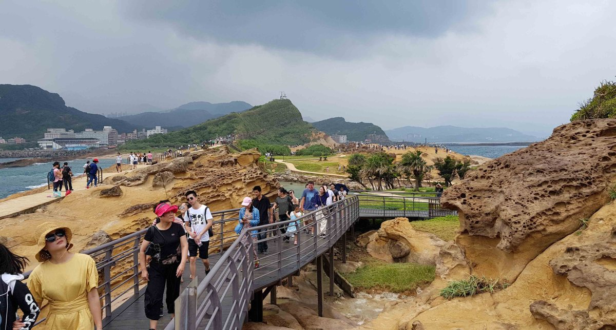 Yehliu Geopark is one of the famous wonders in the world.