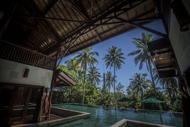 Beautiful T-shaped pool - Hibiscus Villa