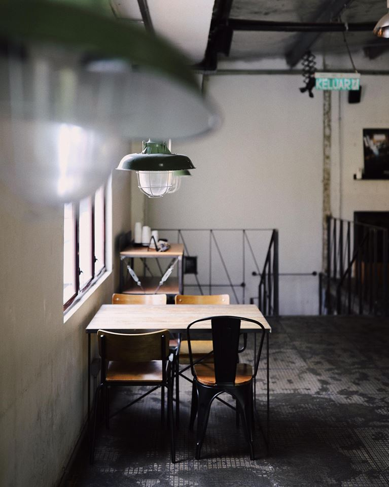 Great ambience that brings up motivation to get work done.