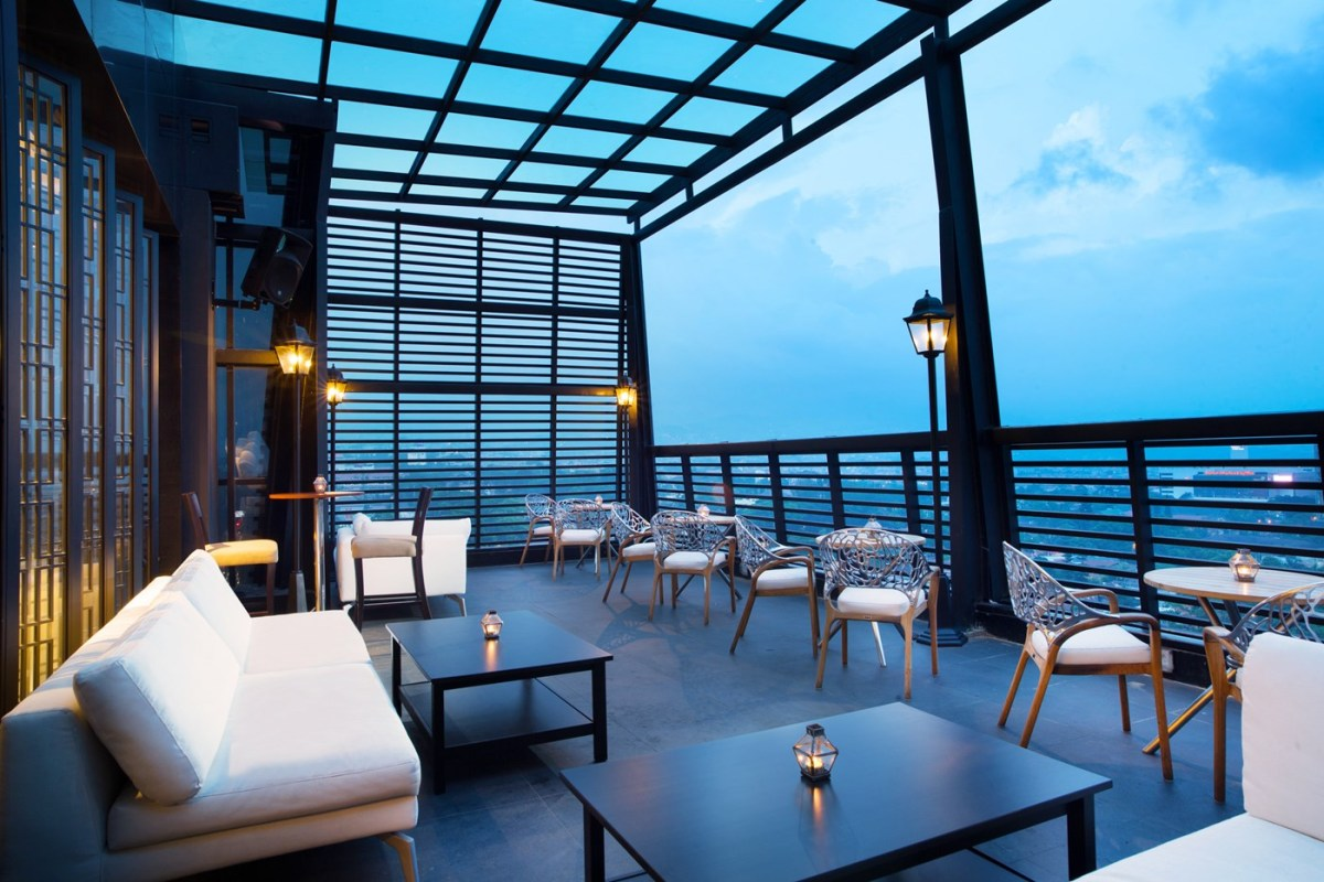 Edelweiss Skylounge Outdoor Area