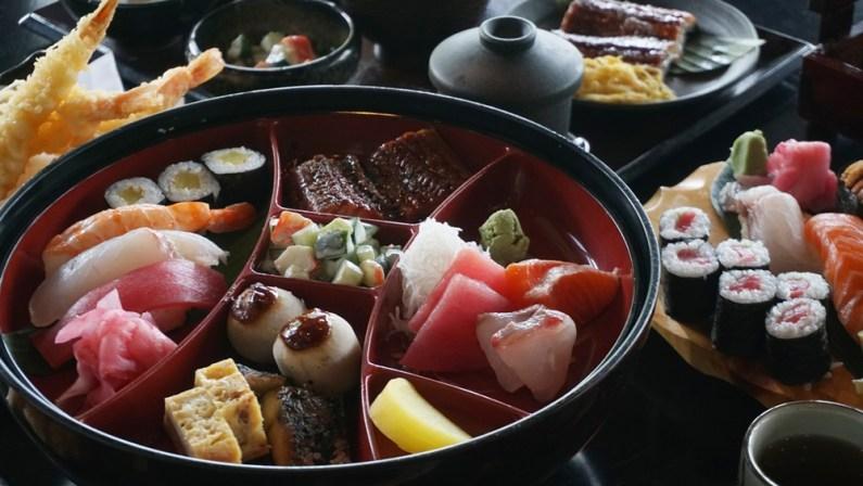 The Sashimi to Unagi Kabayaki Teishoku Set
