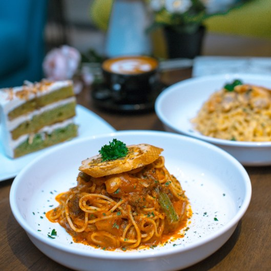 Bolognese Pasta at My Own Bakes Cafe (Image © Kamil Azim)
