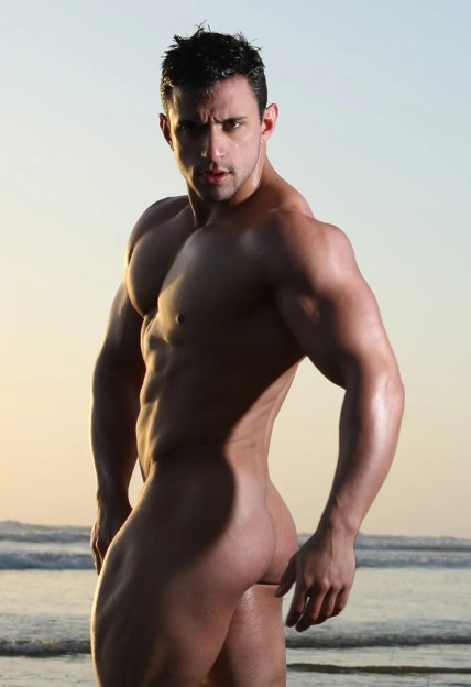 Alejandro de laGuardia - So much muscle!